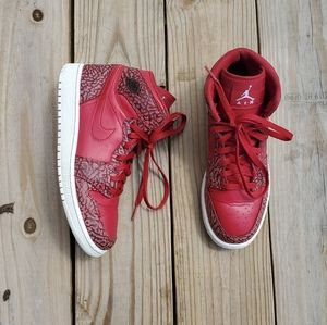 Nike Air Jordan Retro 1 Hi Prem size 7y